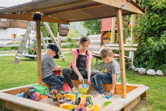 Spielplatz - Bauernhofurlaub in Radstadt, Nasnergut